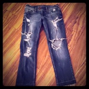 Cropped destructed jeans